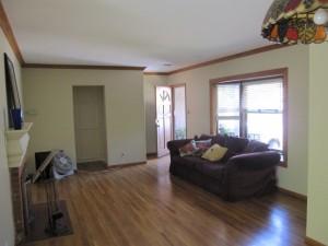 床はフローリング。ペットを飼う家庭ではカーペットは少ないです